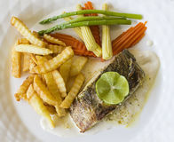 Fischsteak und -franzosen gebraten Stockbild