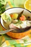 Fischsuppe vom Seebarsch Lizenzfreies Stockfoto