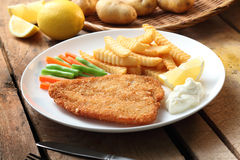 Fish & Chips. Delicious plate of fish and chips Royalty Free Stock Photos