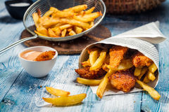 Fish & Chips served in the newspaper Royalty Free Stock Photos