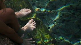 Fish Spa de behandeling van pedicureRufa Garra stock video