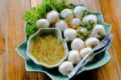 Fishballs z maczanie kumberlandem fotografia stock