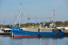 Fishboat i hamn Arkivfoton