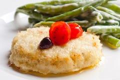 Fishcake (рыб-шарик) с зелеными фасолями Стоковая Фотография