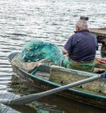 2 fishemen с маленькой лодкой, Poti, Georgia Стоковые Изображения RF