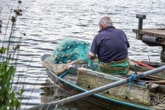 2 fishemen с маленькой лодкой, Poti, Georgia Стоковое фото RF