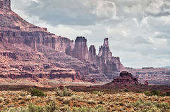 Fisher domine, itinéraire scénique supérieur du Colorado près de Moab, Utah Image libre de droits