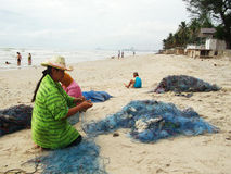 Fisher kobiety na plaży Obraz Royalty Free