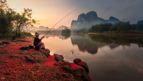 Fisher in Krabi, Thailand Stockfotos