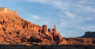 Fisher Towers Late Afternoon en el desierto al norte de Moab Utah foto de archivo