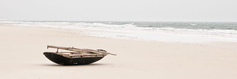 Fisherboat na plaży Obrazy Stock