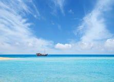 Fisherman's-Boote im Meer Lizenzfreie Stockfotografie