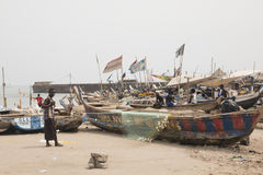 Fisherman with boat and nets in Jamestown, Accra, Ghana Stock Photo