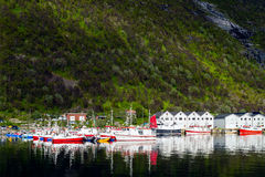 Fisherman harbor of Husøy, Norge Royalty Free Stock Photos