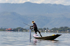 FISHERMAN ON THE INLE LAKE IN BURMA (MYANMAR) Royalty Free Stock Images