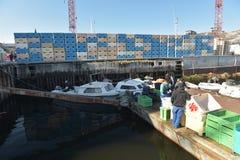 Fishermans-Boote auf Nordpolarmeer in Ilulissat-Marinesoldaten, Grönland Mai 2016 Lizenzfreie Stockfotos