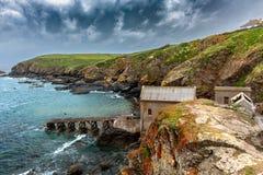 Fishermans cottag dichtbij Land's End, Cornwall, het Verenigd Koninkrijk royalty-vrije stock foto