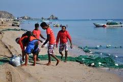 Fishermens haben einen Fang des guten Morgens Stockbilder