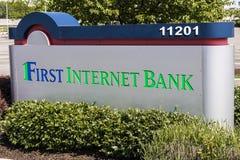 Fishers - Około Maj 2017: Pierwszy Internetowe bank kwatery główne Pierwszy IB jest jeden pierwszy FDIC ubezpieczonego banki dzia Obrazy Royalty Free