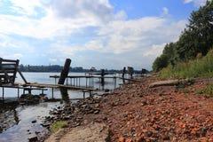 Fishers planked footway för petersburg för dvortsovayanaberegnayaneva fjäder för saint flod Arkivbild