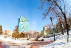 Fisheye-Ansicht des Bürogebäudes des OJSC Samaraneftegaz - Stockfotos