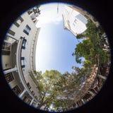 Fisheye-Ansicht des Kleinstadtgeschäftsgebiets Stockbild