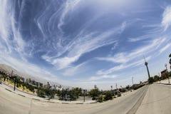 Fisheye himmel och stad Royaltyfri Foto