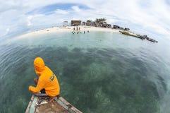 Fisheye sikt av den Gusungan Sipadan ön som lokaliseras på Semporna, Sab Royaltyfri Fotografi