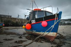 Fishing Boat. Beached Fishing boat in Cornwall Royalty Free Stock Image