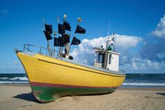Free Fishing Boat On The Beach Of The Baltic Coast Royalty Free Stock Image - 184023946