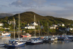 Fishing boats in kyleakin harbour, isle of skye Royalty Free Stock Photos