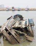 The fishing boats were broken and abandoned at sea Royalty Free Stock Photos