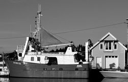 Fishingboat en blanco y negro Fotografía de archivo