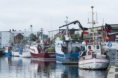 Fishingboats amarrés Simrishamn Suède photographie stock libre de droits