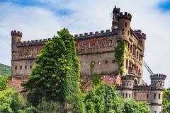 Fishkill, estados de NY/Unites - agosto 16, 2014: O castelo de Bannerman imagens de stock royalty free