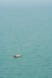Fishman op kleine boot Royalty-vrije Stock Foto