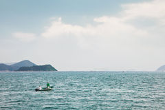 Fishmen op kleine boot Royalty-vrije Stock Foto