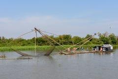 Fishnets w dopływ rzece Tonle Aprosza jezioro Zdjęcie Stock
