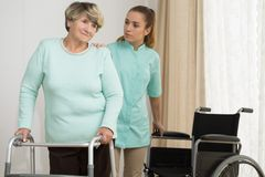 Fisioterapia a casa Immagine Stock