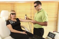 Fisioterapia do laser Fotos de Stock