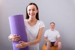 Fisioterapia moderna de la rehabilitación Fotos de archivo