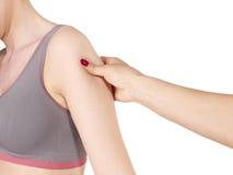 Fisioterapia per dolore, i dolori e la tensione della spalla Fotografia Stock