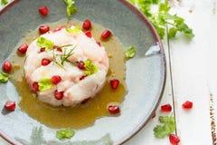 Fisk Ceviche med passionfruktfruktsaft Peruan Ceviche arkivbilder