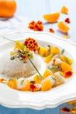 Fisk i citrus sås med ris arkivfoto