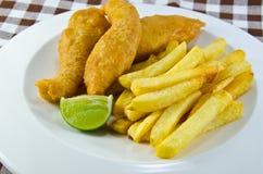 Fisk och chip Royaltyfri Bild