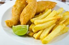 Fisk och chip Royaltyfria Bilder