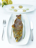 fisk vita stekte grönsaker Royaltyfria Foton