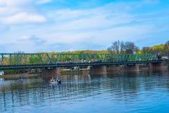 Fiska från små fartyg i Delawaret River Fotografering för Bildbyråer