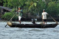 Fiska i den Mekong deltan, Vietnam Arkivfoto
