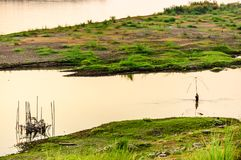 Fiska i Mekong River, Vientiane, Laos Arkivbild